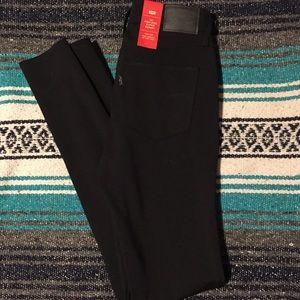Black Levi 720 high rise leggings